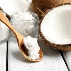 Coconut Mania: Αυτά τα προϊόντα μυρίζουν καρύδα και θα γίνουν τα αγαπημένα σας φέτος το καλοκαίρι