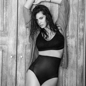 Η Μαρία Κορινθίου αποστομώνει δημόσια διαδικτυακό της φίλο που σχολίασε αρνητικά τα κιλά της!