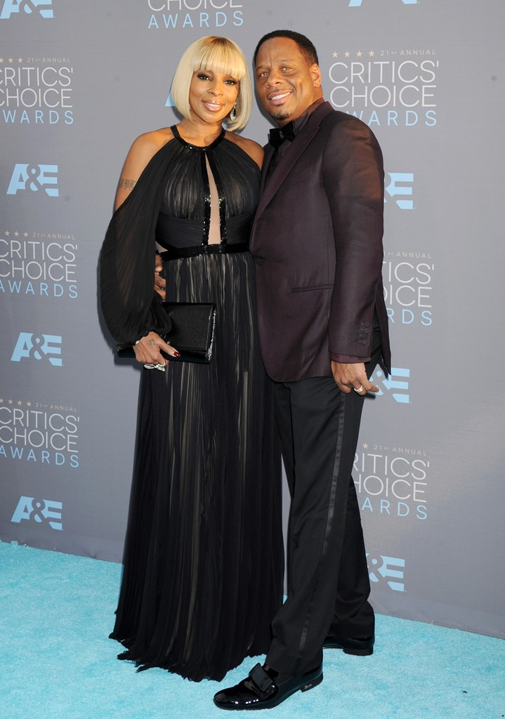 NO JUST JARED USAGE<BR /> 2016 Critics' Choice Awards - Arrivals <P> Pictured: Mary J. Blige and husband Kendu Isaacs <B>Ref: SPL1210794  170116  </B><BR /> Picture by: Splash News<BR /> </P><P> <B>Splash News and Pictures</B><BR /> Los Angeles:	310-821-2666<BR /> New York:	212-619-2666<BR /> London:	870-934-2666<BR /> photodesk@splashnews.com<BR /> </P>