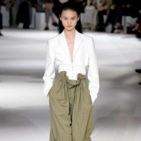 Η νέα τάση στα παντελόνια θα σας κάνει να φαίνεστε πολύ πιο αδύνατη!