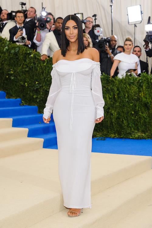 h-kim-kardashian-%ce%bc%ce%b5-vivienne-westwood