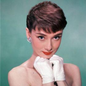 Το αγαπημένο άρωμα της Audrey Hepburn πρέπει να μπει στη συλλογή σας
