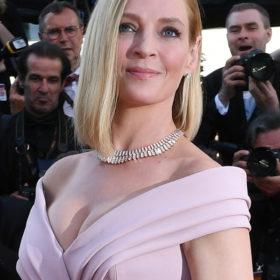 Uma Therman: Εμφανίστηκε με τον 17χρονο γιο της κι έστρεψε όλα τα βλέμματα πάνω της στο σόου Υψηλής Ραπτικής του Dior