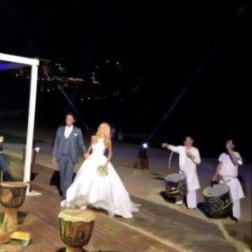 Δούκισσα Νομικού- Δημήτρης Θεοδωρίδης: Δείτε την είσοδο και τον πρώτο χορό του ζευγαριού