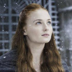 To κακόγουστο video της Sophie Turner για το sex scene στο δεύτερο επεισόδιο του Game of Thrones