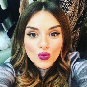 Αγαπάτε το cat eyeliner; Η Ελένη Τσολάκη σας δείχνει πώς θα το κάνετε εύκολα και γρήγορα