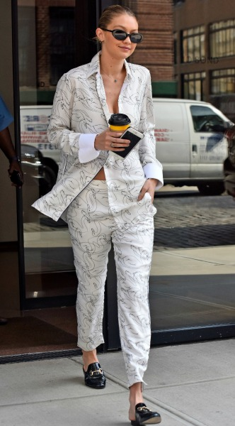 gigi hadid, mosaic, look of the day