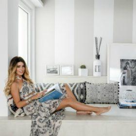 Βάσσια Κωσταρά: Δείτε το υπέροχο, μίνιμαλ loft της σχεδιάστριας ρούχων
