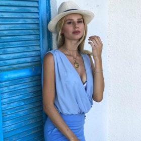 Το τρικ της Έβελυν Καζαντζόγλου για να δείχνει αψεγάδιαστη ακόμα κι όταν βρίσκεται στην παραλία