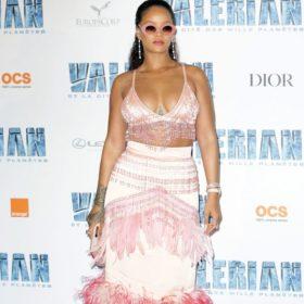 Η Rihanna απαντάει στο body shaming που δέχεται