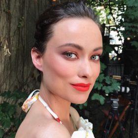 Fall makeup: Η σκιά που ΠΡΕΠΕΙ να προσθέσετε στο νεσεσέρ σας αυτή τη σεζόν