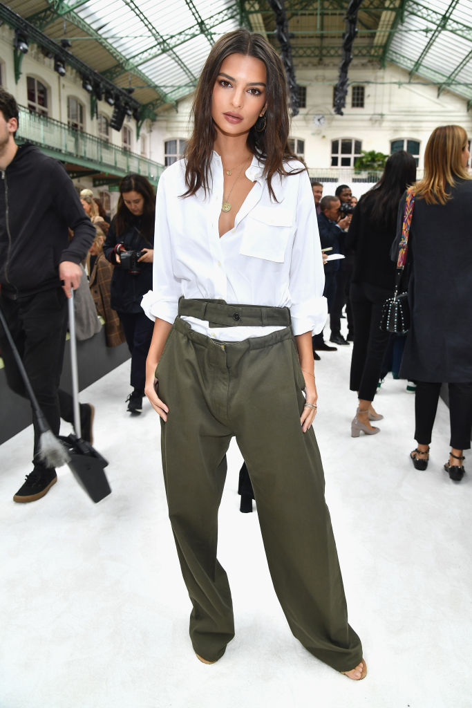 PARIS, FRANCE - OCTOBER 01: Emily Ratajkowski attends the Valentino show as part of the Paris Fashion Week Womenswear Spring/Summer 2018 on October 1, 2017 in Paris, France. (Photo by Pascal Le Segretain/Getty Images)