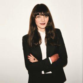 Η Lucia Pica του οίκου Chanel σας δείχνει πώς θα κάνετε το τέλειο μακιγιάζ με μία μόνο παλέτα