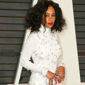 Solange: Η αδερφή της Beyonce είναι ΕΞΑΛΛΗ επειδή της πείραξαν τα μαλλιά