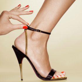 Είναι τα άβαφα νύχια στα πόδια η νέα τάση;