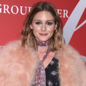 Olivia Palermo: Το άρωμα που δεν βγάζει από την τσάντα της είναι θηλυκό, σέξι και κομψό