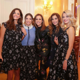 Erdem x H&M: Δείτε ποιες celebrities βρέθηκαν στην παρουσίαση της συλλογής στην Αθήνα