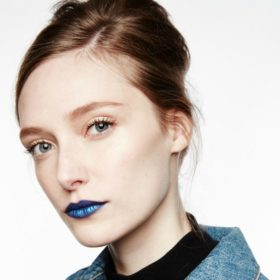 Blue Lipstick: Βρήκαμε τα κραγιόν για να αντιγράψετε το viral makeup look του My Style Rocks