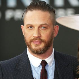 Tom Hardy: Έχασε στοίχημα με τον Leonardo DiCaprio και αναγκάστηκε να χτυπήσει τατουάζ
