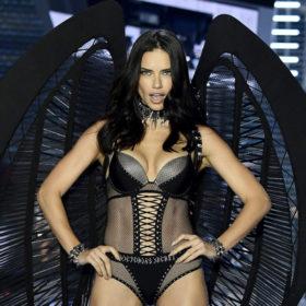 Adriana Lima: Πιο hot από ποτέ στα 37 της!