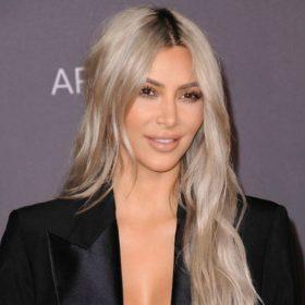Σκέφτεστε να βάψετε τα μαλλιά σας πλατινέ; Τότε πρέπει να διαβάσετε τι έχει να πει η Kim