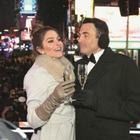 Ποιος ήταν ο άνθρωπος που έβαλε στη Menounos την ιδέα να παντρευτεί live στην Times Square