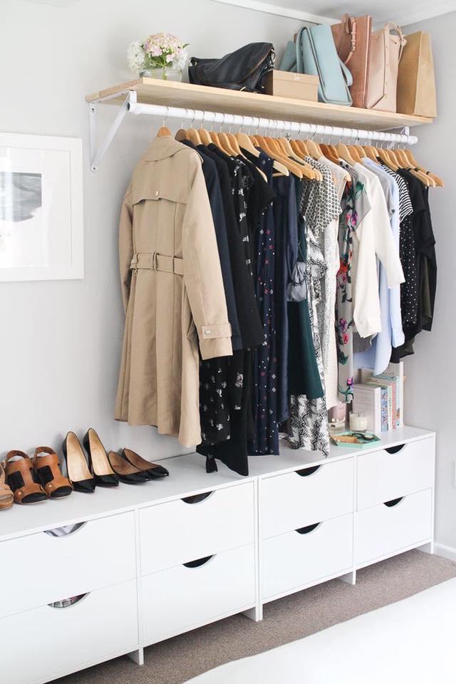 clothes' rail