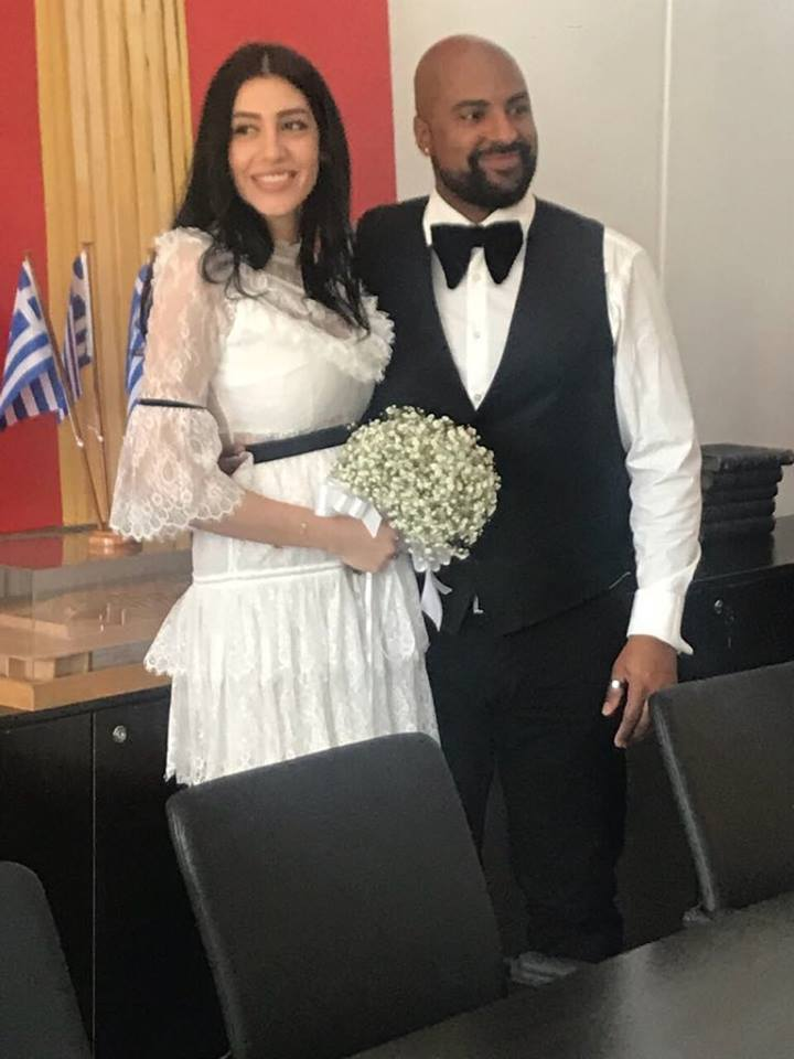 b45136216c10 Χαρούμενα νέα για τον Ησαΐα Ματιάμπα αφού χθες παντρεύτηκε την αγαπημένη  του Βασιλική Καλιανιώτη. Ο τραγουδιστής και ηθοποιός