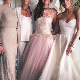 Οι πιο διάσημες Ελληνίδες πόζαραν με τα νυφικά τους και δεν ξέρουμε ποια θα παντρευτεί πρώτη