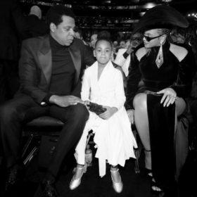 Η Beyoncé έφερε την κόρη της στα Grammys και μαζί έβγαλαν μια ιστορική φωτογραφία