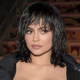 Δεν θα πιστεύετε πόσα (πολλά) κιλά πήρε στην εγκυμοσύνη της η Kylie Jenner
