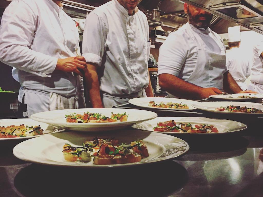 Οι chefs στη Hytra σε πυρετώδη προετοιμασία