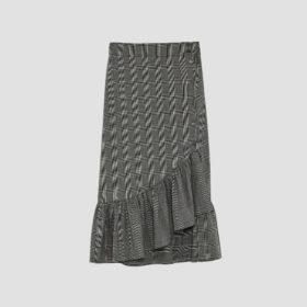 Η Zara φούστα που κοστίζει κάτω από 10 ευρώ και έχει γίνει σχεδόν sold out