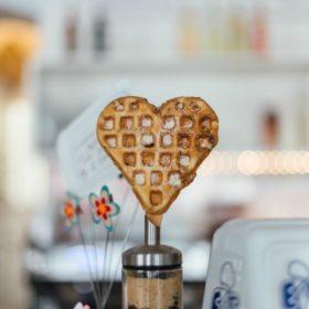 Ερωτευτείτε ελεύθερα: Πέντε προτάσεις για φαγητό για όλους τους ερωτευμένους