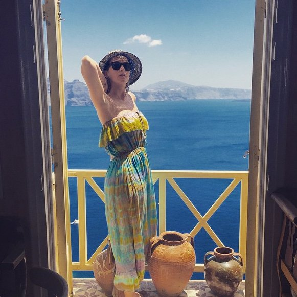 Katy-Perry-Greece-Vacation-Pictures-June-2015.png