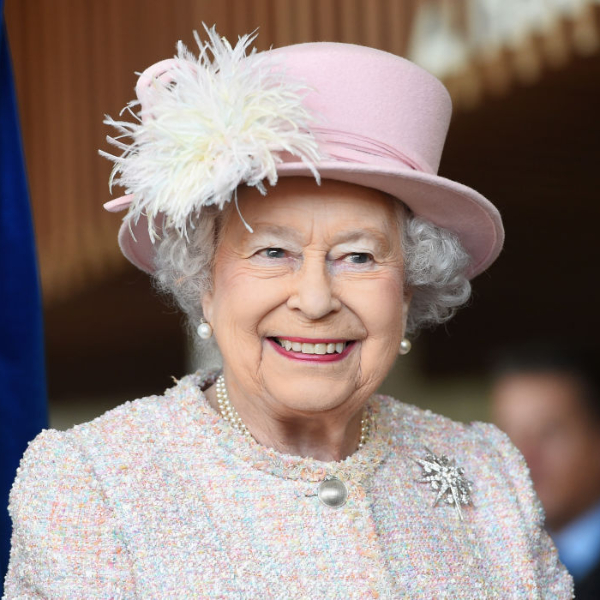 queen elizabeth, homepage image, Η Lucy Hale και η Queen Elizabeth έχουν το ίδιο αγαπημένο beauty προϊόν