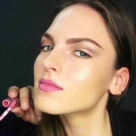 Μάνος Βυνιχάκης: Τα κραγιόν που χρησιμοποιεί ο international makeup artist κοστίζουν μόνο €5