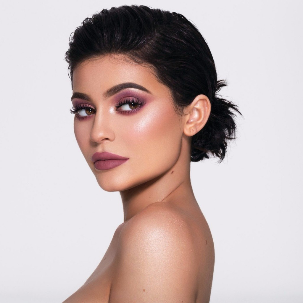 Kylie-Jenner-Holiday-Lip-Kits-Topshop-Swatches, #GirlBoss