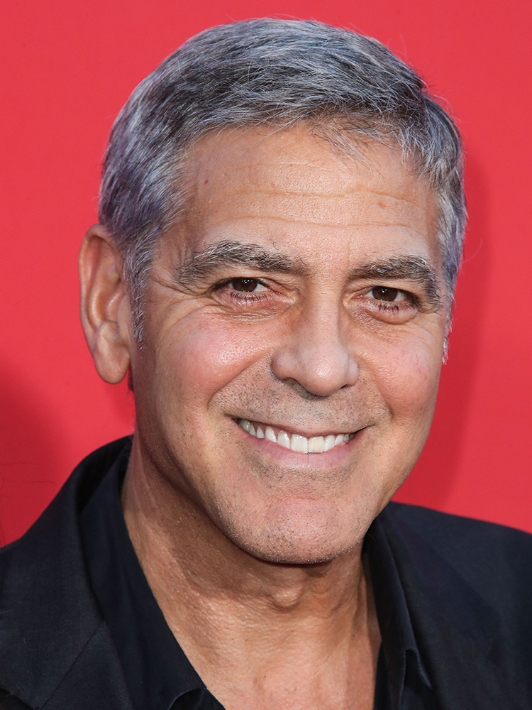WESTWOOD, LOS ANGELES, CA, USA - OCTOBER 22: Actor George Clooney arrives at the Los Angeles Premiere Of Paramount Pictures' 'Suburbicon' held at Regency Village Theatre on October 22, 2017 in Westwood, Los Angeles, California, United States. (Photo by Xavier Collin/Image Press Agency/Splash News) Pictured: George Clooney Ref: SPL1607736  221017   Picture by: Xavier Collin/IPA/Splash News Splash News and Pictures Los Angeles:310-821-2666 New York:212-619-2666 London:870-934-2666 photodesk@splashnews.com , παντρεύτηκαν και χώρισαν