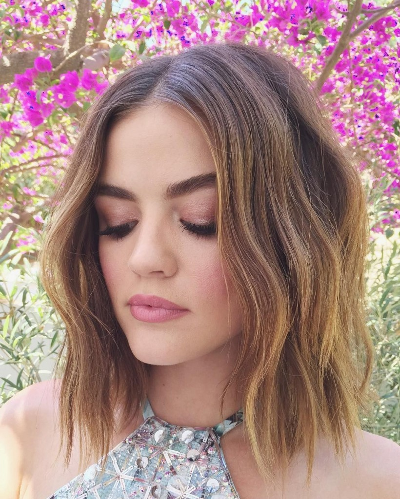 lucy hale, χτενίσματα