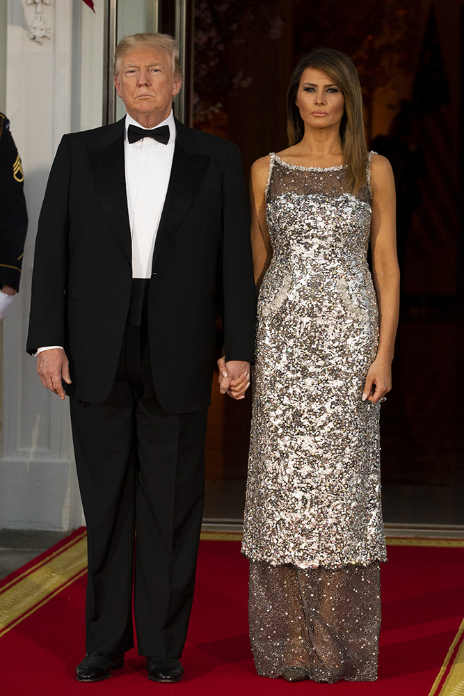 The President of France and Mrs. Macron arrive at the White House for State Dinner, during the French State Visit to the United States on April 24, 2018 in Washington, DC.  Pictured: Donald Trump,Melania Trump Ref: SPL1687787  250418   Picture by: Zuma / Splash News Splash News and Pictures Los Angeles:310-821-2666 New York:212-619-2666 London:870-934-2666 photodesk@splashnews.com