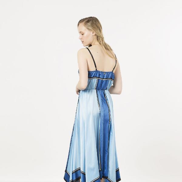 0a04c6be2688 Το αγαπημένο μας BSB φόρεμα είναι τέλειο για κάθε περίσταση - Μόδα ...