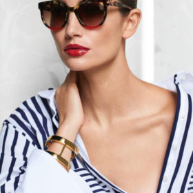 CH Carolina Herrera 2018: Βρήκαμε τα γυαλιά ηλίου του καλοκαιριού που θα αναβαθμίσουν το καλοκαιρινό σας στιλ