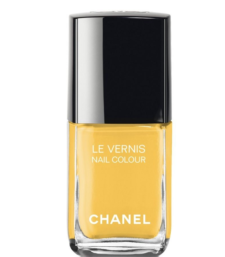 Chanel-Le-Vernis-Nail-Color-Giallo-Napoli, το πιο hot χρώμα του καλοκαιριού για τα νύχια