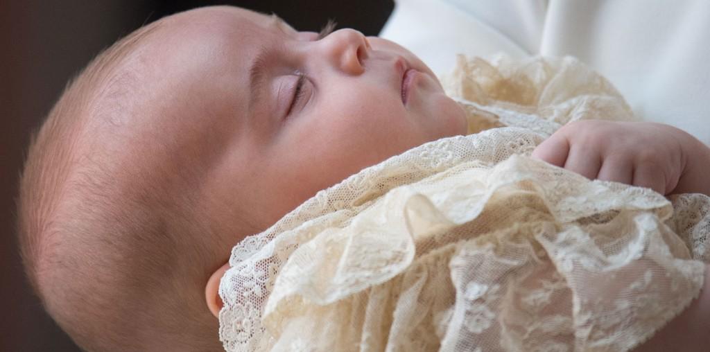 Ο πρίγκιπας Louis βαπτίστηκε! Δείτε όλες τις φωτογραφίες από το μυστήριο