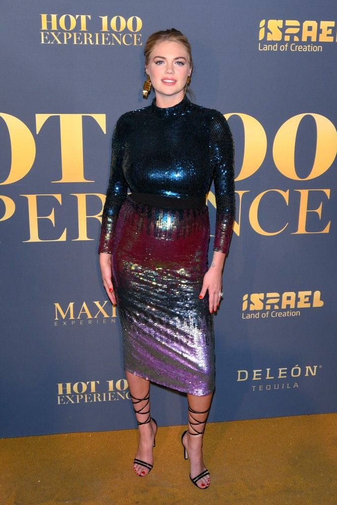 Splash News / Ideal Image, Η Kate Upton εμφανίστηκε με ένα φόρεμα που δεν θα τολμούσε καμία άλλη να φορέσει στην εγκυμοσύνη