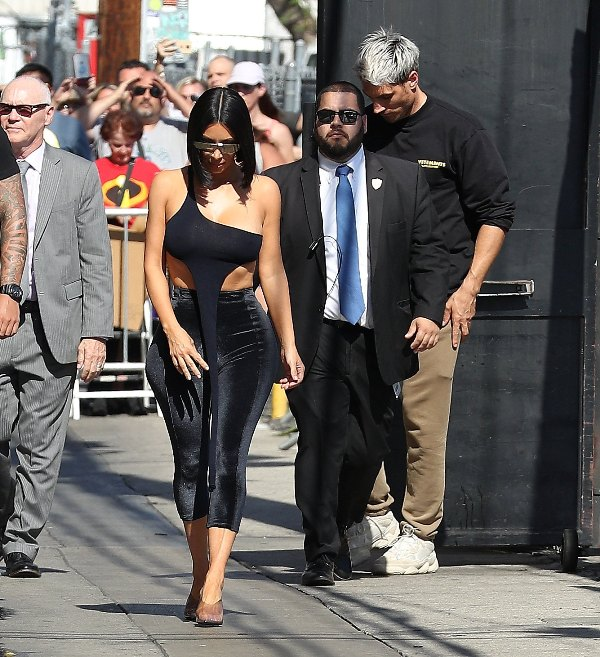 KIM KARDASHIAN ARRIVES to Jimmy Kimmel Live in Hollywood  Pictured: Kim Kardashian Ref: SPL5013199 300718 NON-EXCLUSIVE Picture by: SplashNews.com  Splash News and Pictures Los Angeles: 310-821-2666 New York: 212-619-2666 London: 0207 644 7656 Milan: +39 02 4399 8577 Sydney: +61 02 9240 7700 photodesk@splashnews.com  World Rights