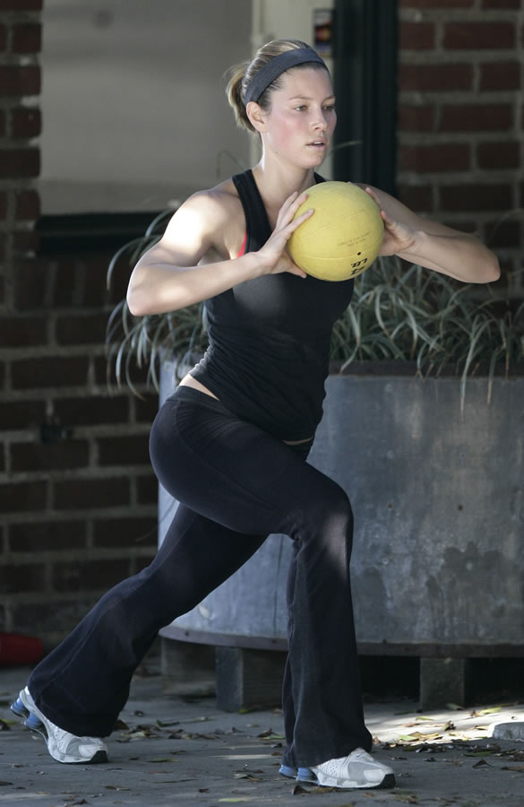 jessica_biel_working_out_18