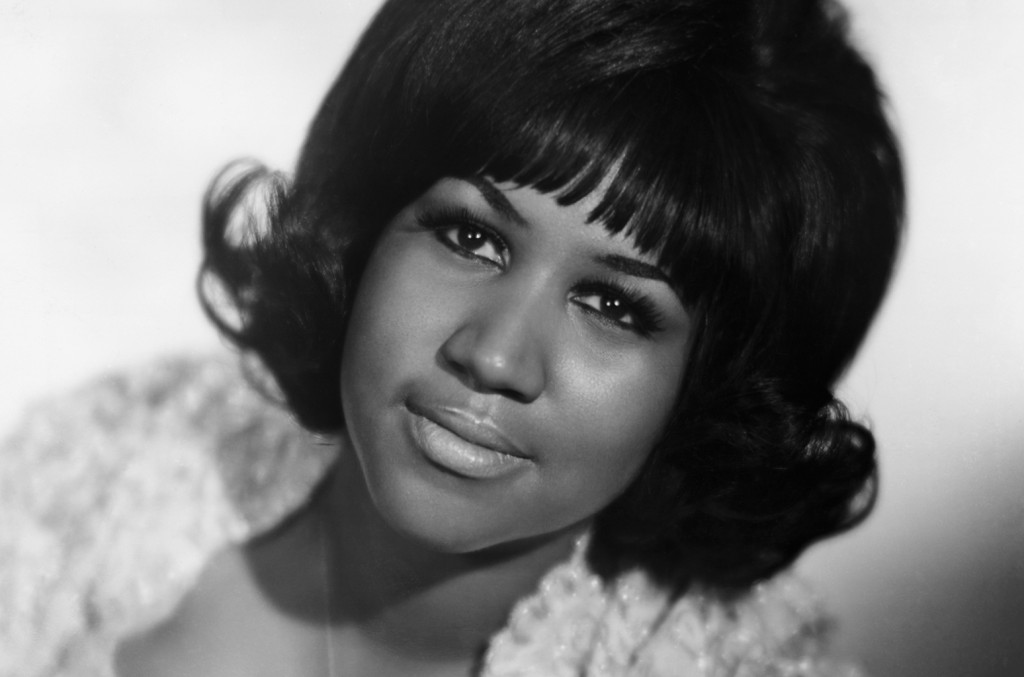 aretha-franklin-bw-portrait-a-billboard-1548