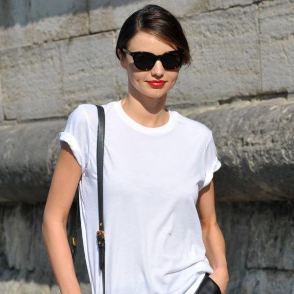 Back to Basics: 10+1 τρόποι για να φορέσετε το αγαπημένο σας λευκό t-shirt